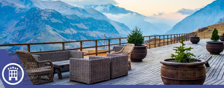 lujoso hotel en las montañas